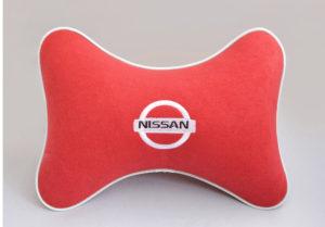 Подушка на подголовник из красного велюра NISSAN