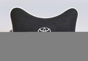 Подушка на подголовник из черного велюра TOYOTA