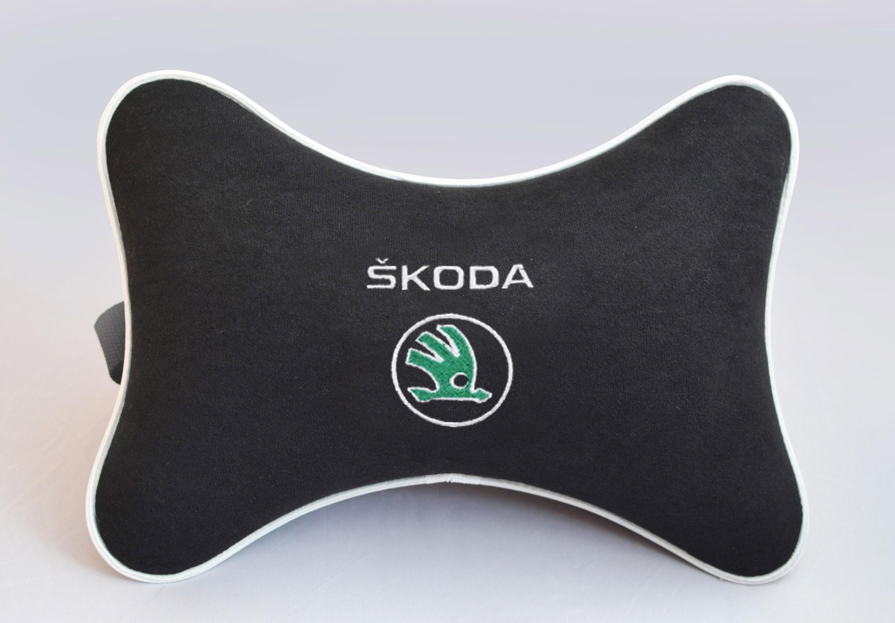 Подушка на подголовник из черного велюра SKODA