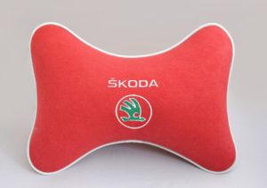Подушка на подголовник из красного велюра SKODA