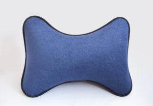 одушка на подголовник из синего велюра