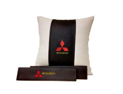 Подарочный набор (подушка декоративная+накладки на ремень безопасности), MITSUBISHI