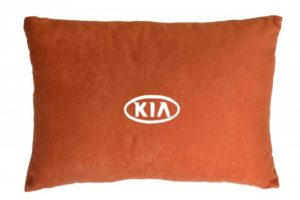 Подушка декоративная из красного велюра KIA
