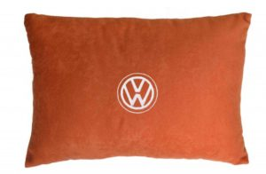 Подушка декоративная из красного велюра VOLKSWAGEN