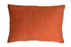 Подушка декоративная из красного велюра без логотипа