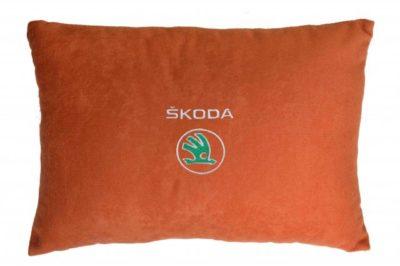Подушка декоративная из красного велюра SKODA