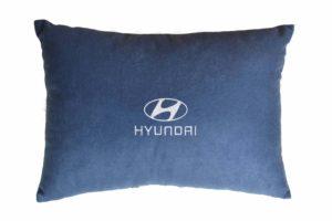 Подушка декоративная из синего велюра HYUNDAI