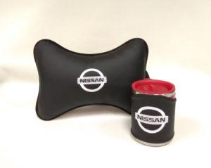 Подарочный набор подушка на подглоловник и термокружка в чехле из экокожи с логотипом NISSAN
