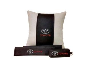 Подарочный набор (подушка декоративная+накладки на ремень безопасности+ ключница), TOYOTA