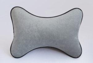 Подушка на подголовник из серого велюра