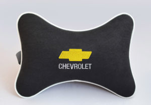 Подушка на подголовник из черного велюра CHEVROLET