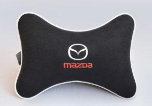 Подушка на подголовник из черного велюра MAZDA