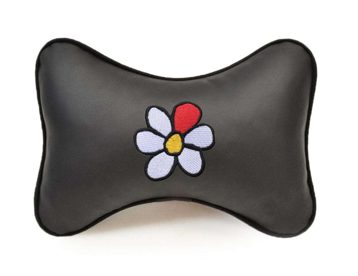 """Подушка на подголовник из экокожи """"Цветок"""", черн."""